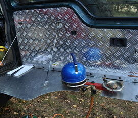Kuchenka gazowa w Land Roverze Discovery I i II
