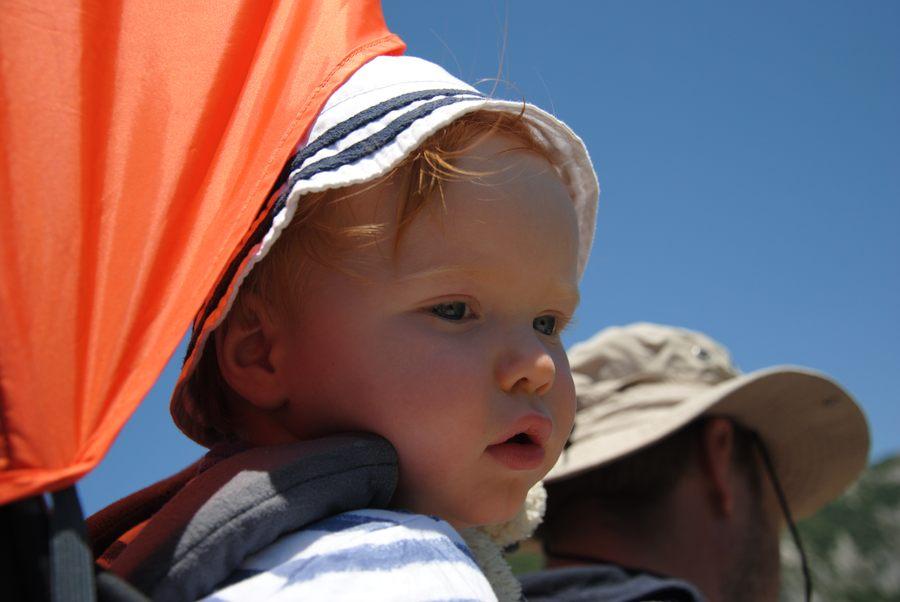 Dobre nosidełko plecakowe to wygoda dla dziecka i rodzica
